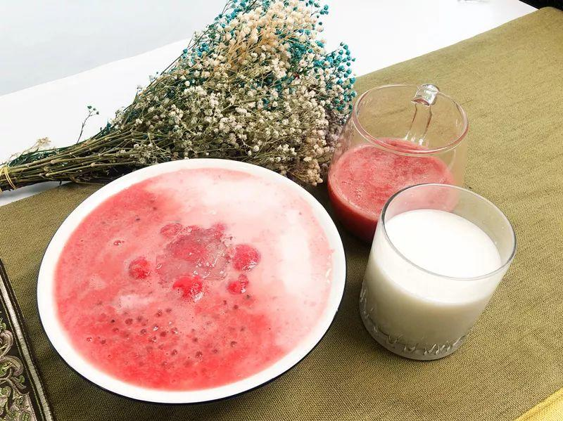 今夏最fancy西瓜吃法,西瓜牛奶燕窝西米露
